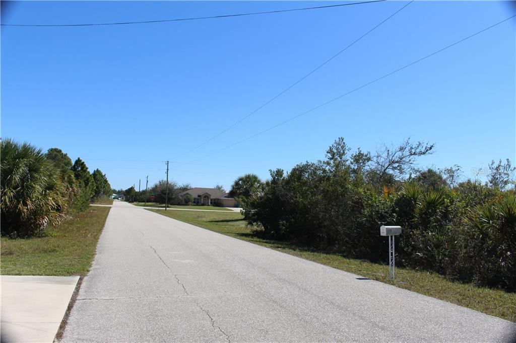 Vacant Land for sale at 15536 Lakeland Cir, Port Charlotte, FL 33981 - MLS Number is D5910803