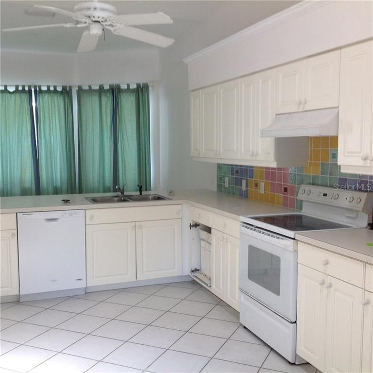 Single Family Home for sale at 1680 Sweetland St, Nokomis, FL 34275 - MLS Number is D5915235
