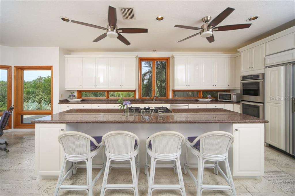 Breakfast Bar - Single Family Home for sale at 1850 Bayshore Dr, Englewood, FL 34223 - MLS Number is D5919513