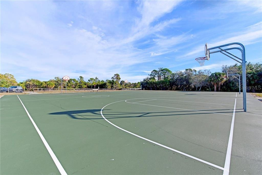 Basketball courts at the park across the street. - Single Family Home for sale at 3723 Shamrock Dr, Venice, FL 34293 - MLS Number is D6102893