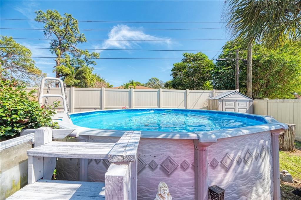 Single Family Home for sale at 5719 Murdock Ave, Sarasota, FL 34231 - MLS Number is D6105317