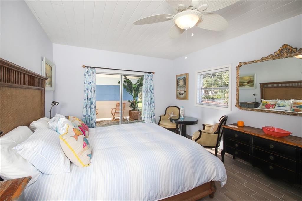 Quaint den with room for a daybed - Single Family Home for sale at 1030 E 2nd St, Englewood, FL 34223 - MLS Number is D6110643