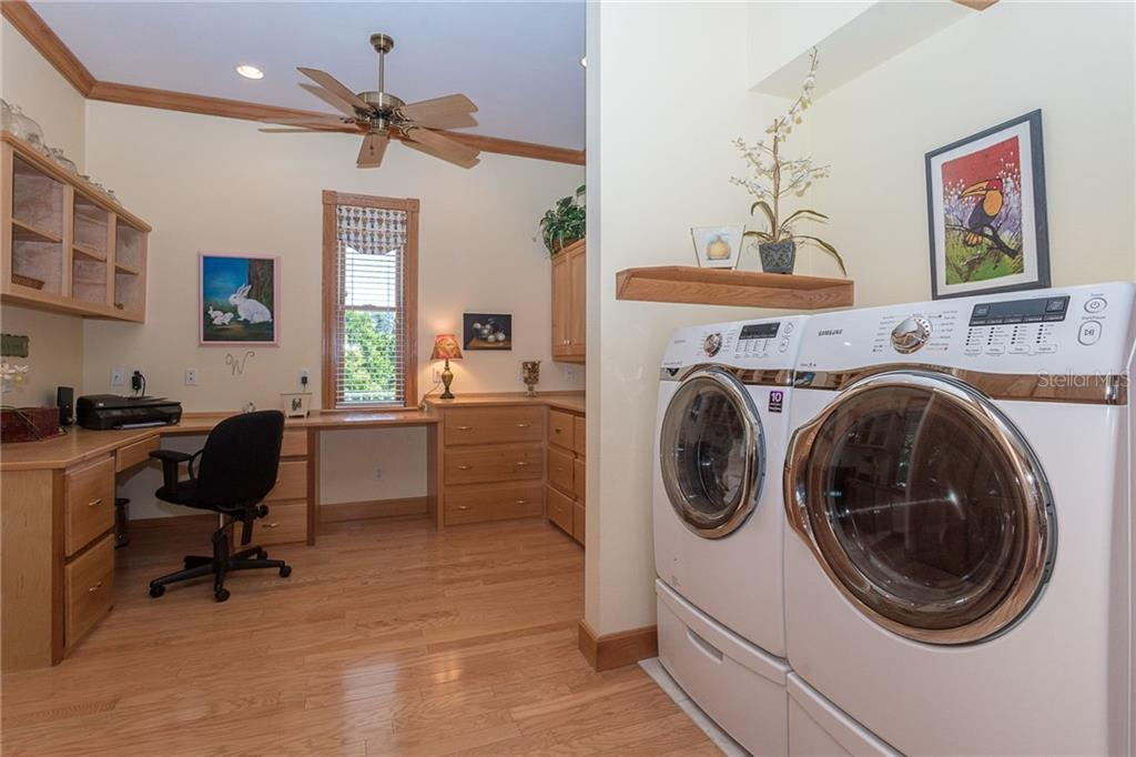 Laundry area - Single Family Home for sale at 550 S Oxford Dr, Englewood, FL 34223 - MLS Number is D6111512