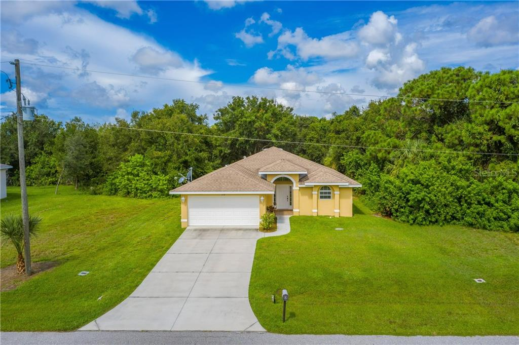 Single Family Home for sale at 112 Boxwood Ln, Rotonda West, FL 33947 - MLS Number is D6114179