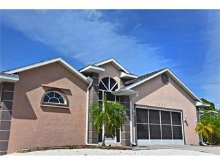 1040 Kant St, Englewood, FL 34224