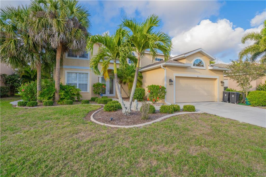 Single Family Home for sale at 3811 5th Ave Ne, Bradenton, FL 34208 - MLS Number is T3164424