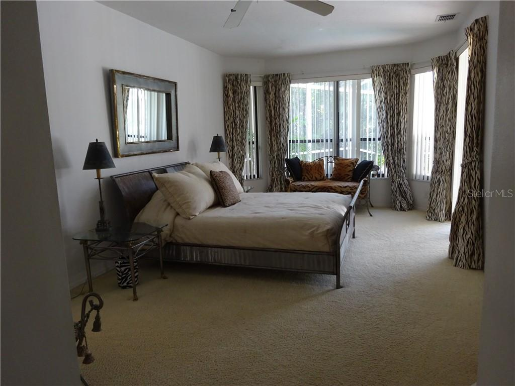 Master bedroom - Single Family Home for sale at 7348 Cove Ter, Sarasota, FL 34231 - MLS Number is R4900338
