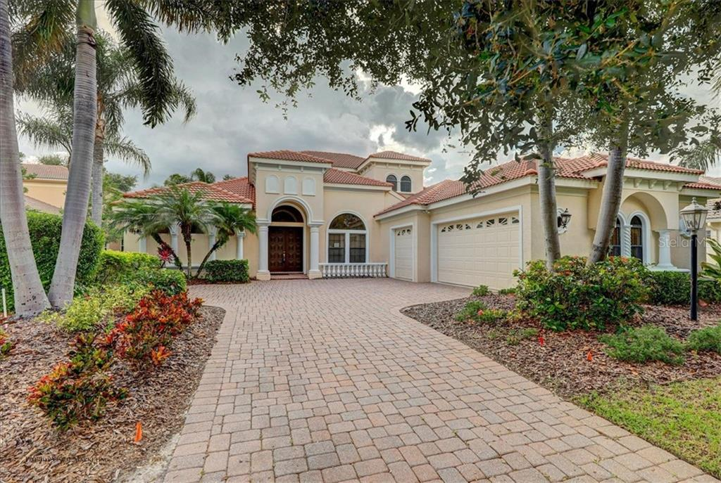 Single Family Home for sale at 7312 Desert Ridge Gln, Lakewood Ranch, FL 34202 - MLS Number is U8058071