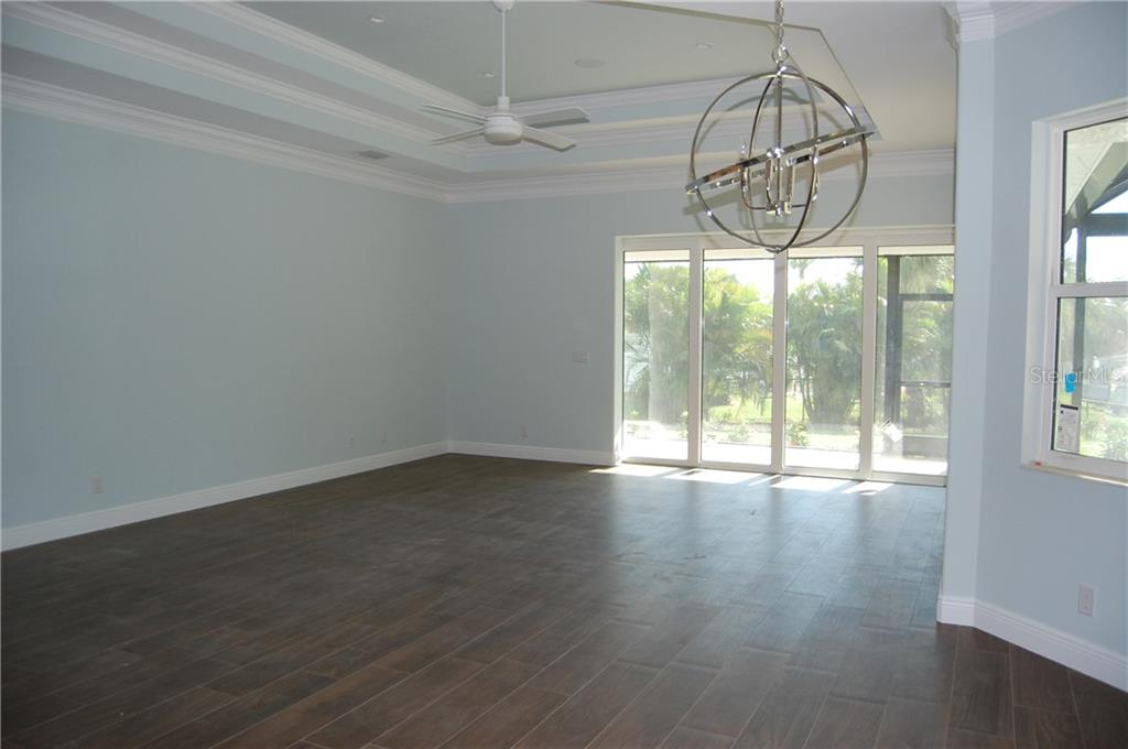 GREAT ROOM - Single Family Home for sale at 6030 Hollywood Blvd, Sarasota, FL 34231 - MLS Number is C7235083