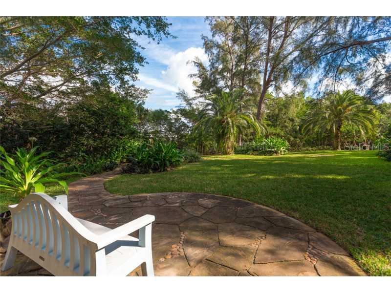 Additional photo for property listing at 7858 Sanderling Rd  Sarasota, Florida,34242 Verenigde Staten