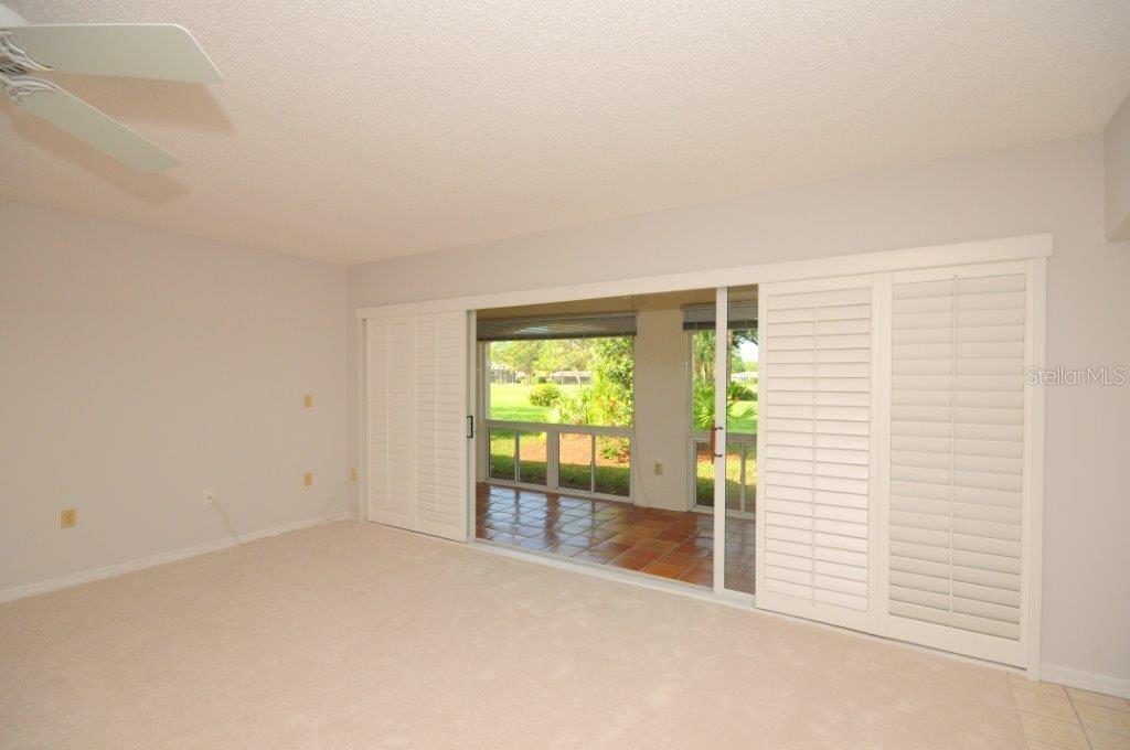 Great room with plantation shutters - Villa for sale at 5510 Chanteclaire #46, Sarasota, FL 34235 - MLS Number is A4156527