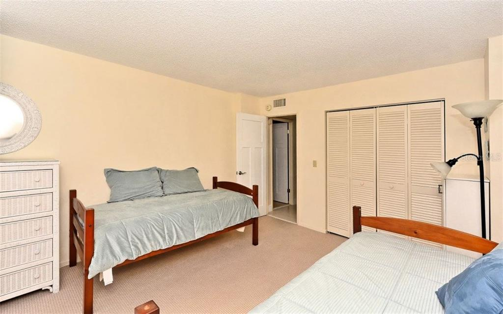 Guest Bedroom - Condo for sale at 1701 Gulf Of Mexico Dr #505, Longboat Key, FL 34228 - MLS Number is A4170632