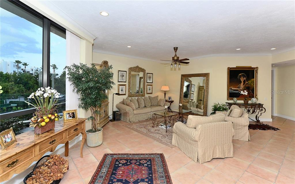 Condo for sale at 1281 Gulf Of Mexico Dr #104, Longboat Key, FL 34228 - MLS Number is A4170642