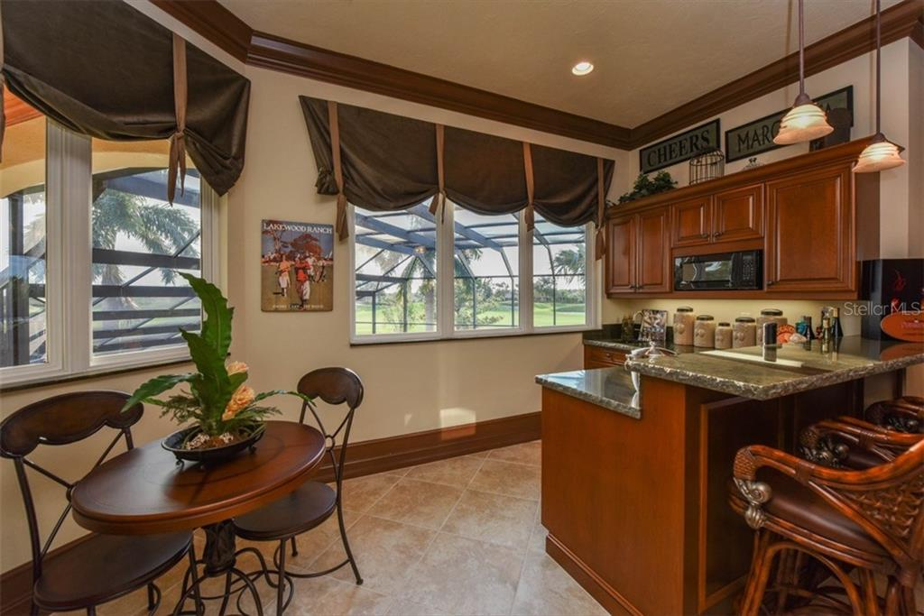 Additional photo for property listing at 7202 Teal Creek Gln  Lakewood Ranch, Florida,34202 United States