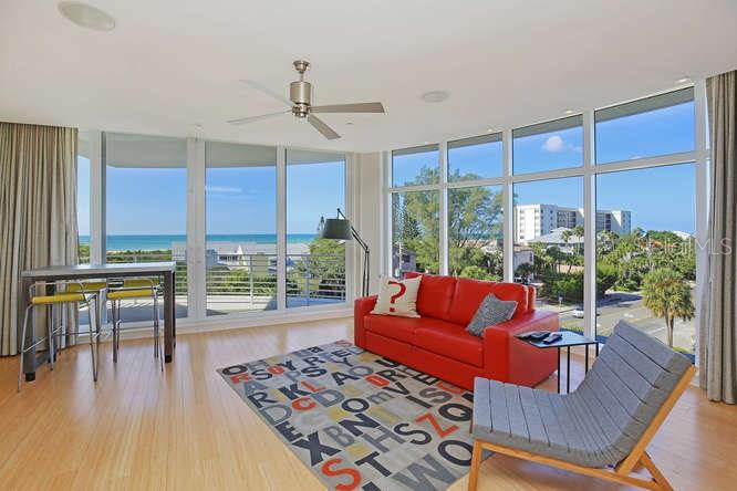 Family room daytime photo - Condo for sale at 501 Beach Rd #b, Sarasota, FL 34242 - MLS Number is A4175979