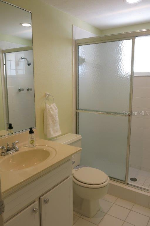 Condo for sale at 3810 Gulf Of Mexico Dr #f303, Longboat Key, FL 34228 - MLS Number is A4176412