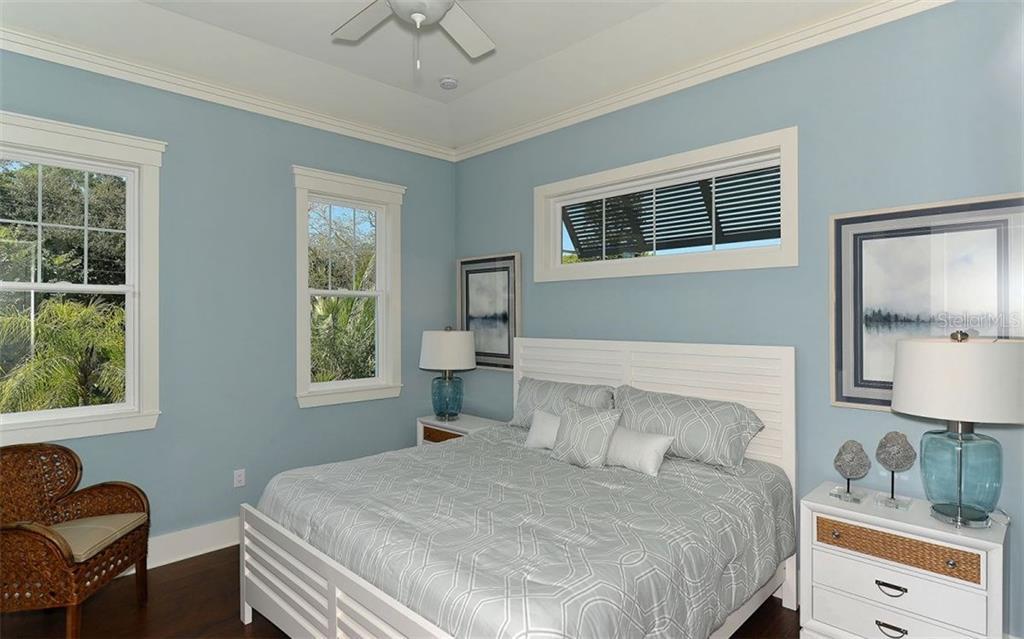 1639 S Orange Ave, Sarasota, FL 34239 - photo 18 of 25