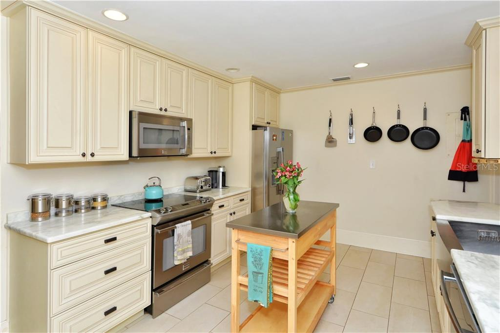 Kitchen - Single Family Home for sale at 1896 Hibiscus St, Sarasota, FL 34239 - MLS Number is A4180775