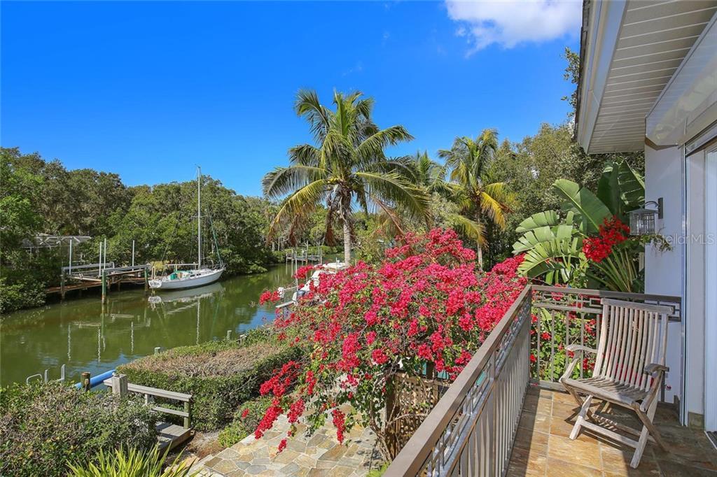 5315 Hidden Harbor Rd, Sarasota, FL 34242 - photo 18 of 21