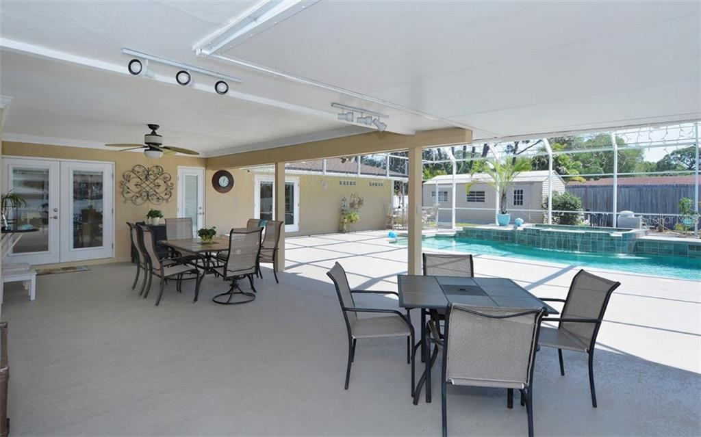 Amazing huge lanai, so perfect for entertaining and enjoying the Florida lifestyle. - Single Family Home for sale at 6239 Hollywood Blvd, Sarasota, FL 34231 - MLS Number is A4182790