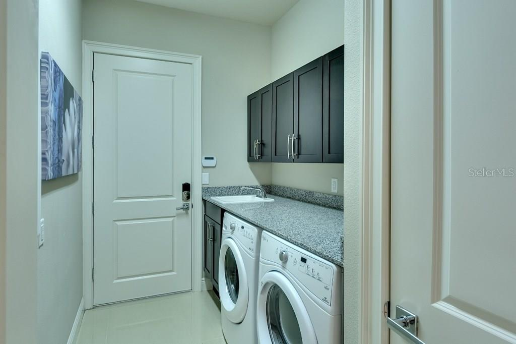 Great Laundry Room - Single Family Home for sale at 505 Mast Dr, Bradenton, FL 34208 - MLS Number is A4184659