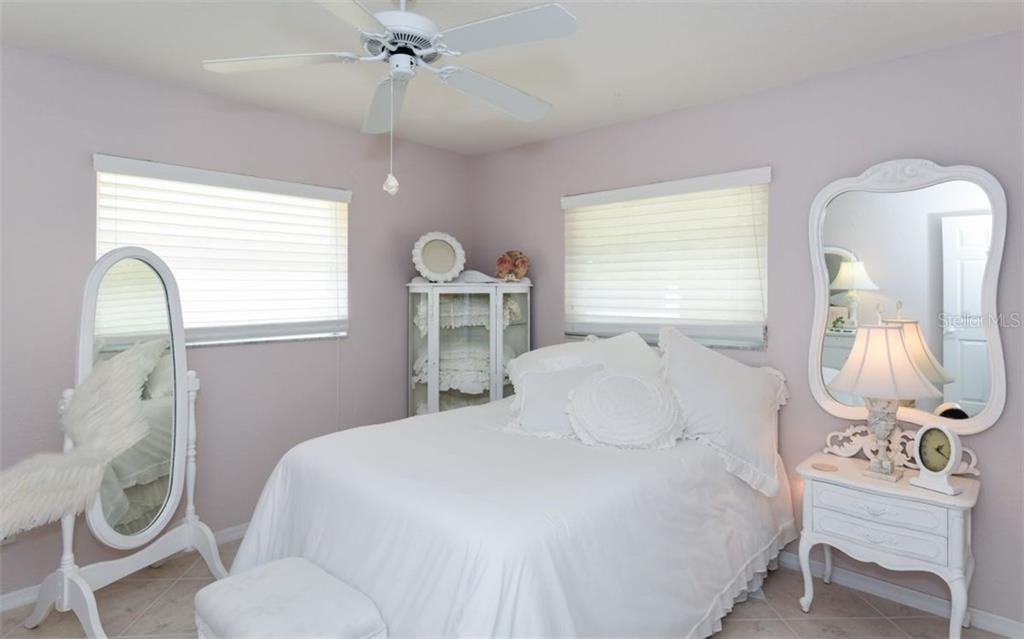 Single Family Home for sale at 5086 Seagrass Dr, Venice, FL 34293 - MLS Number is A4186806