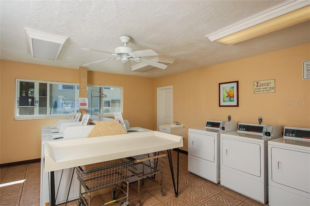Laundry facility - Condo for sale at 5800 Hollywood Blvd #113, Sarasota, FL 34231 - MLS Number is A4188016