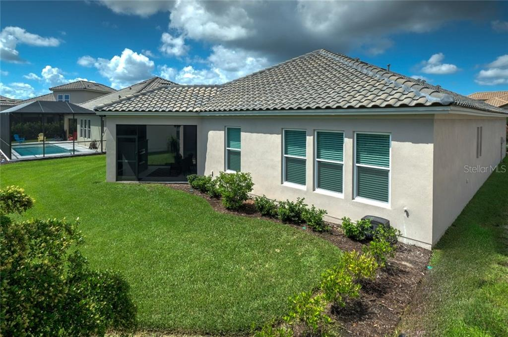 Single Family Home for sale at 4824 Royal Dornoch Cir, Bradenton, FL 34211 - MLS Number is A4190688