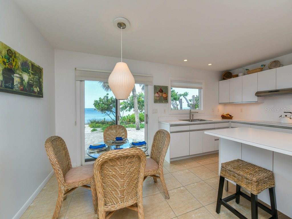 Eat In Kitchen with Gulf Views - Single Family Home for sale at 418 N Casey Key Rd, Osprey, FL 34229 - MLS Number is A4198549