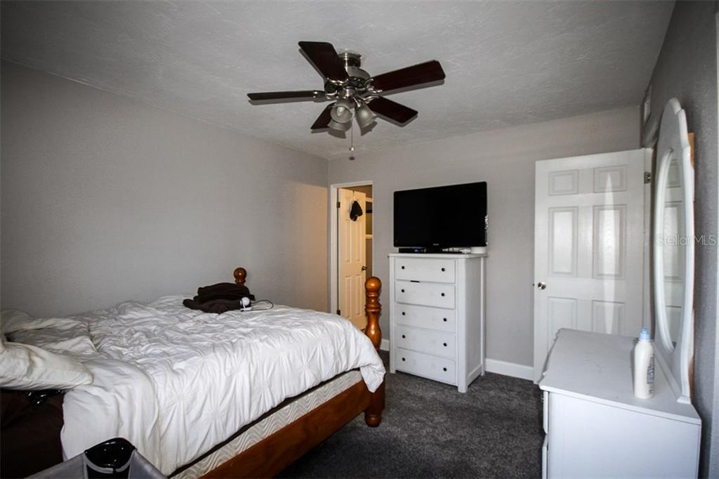 Master Bedroom - Single Family Home for sale at 6727 Georgia Ave, Bradenton, FL 34207 - MLS Number is A4202749