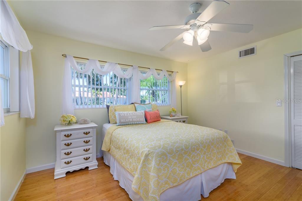 Bedroom 2 - Single Family Home for sale at 5439 Azure Way, Sarasota, FL 34242 - MLS Number is A4203969