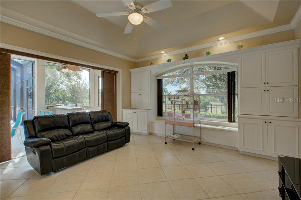 Bonus Room/ 4th bedroom - Single Family Home for sale at 8300 Curlew Ct, Bradenton, FL 34202 - MLS Number is A4209228