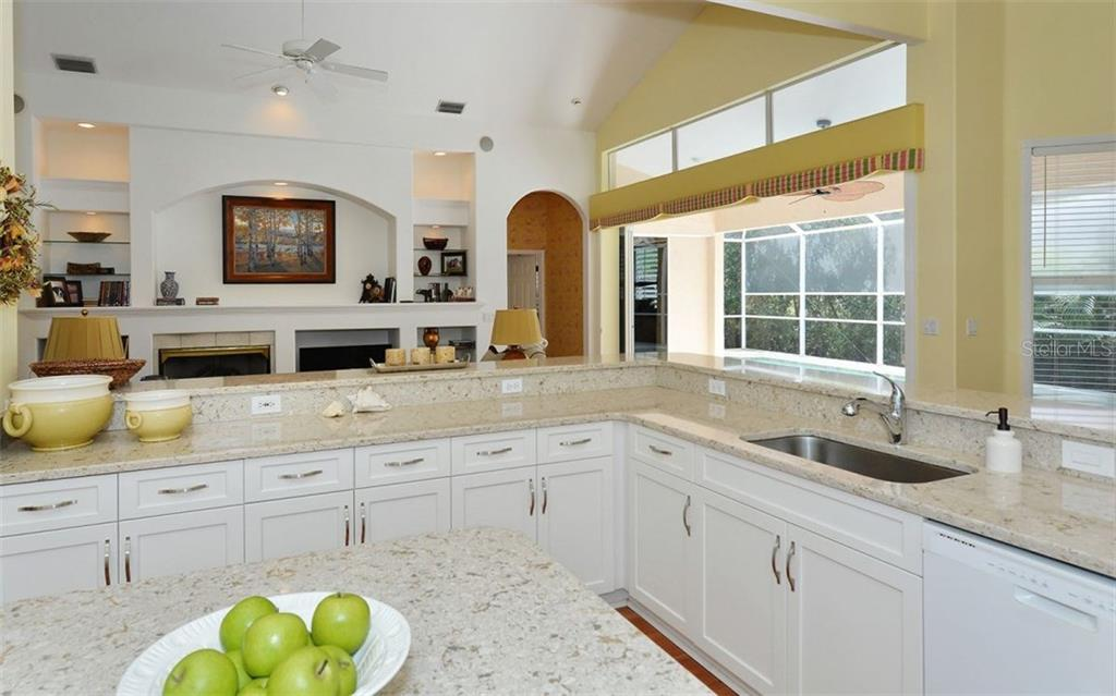 Single Family Home for sale at 5591 Siesta Estates Ct, Sarasota, FL 34242 - MLS Number is A4209884