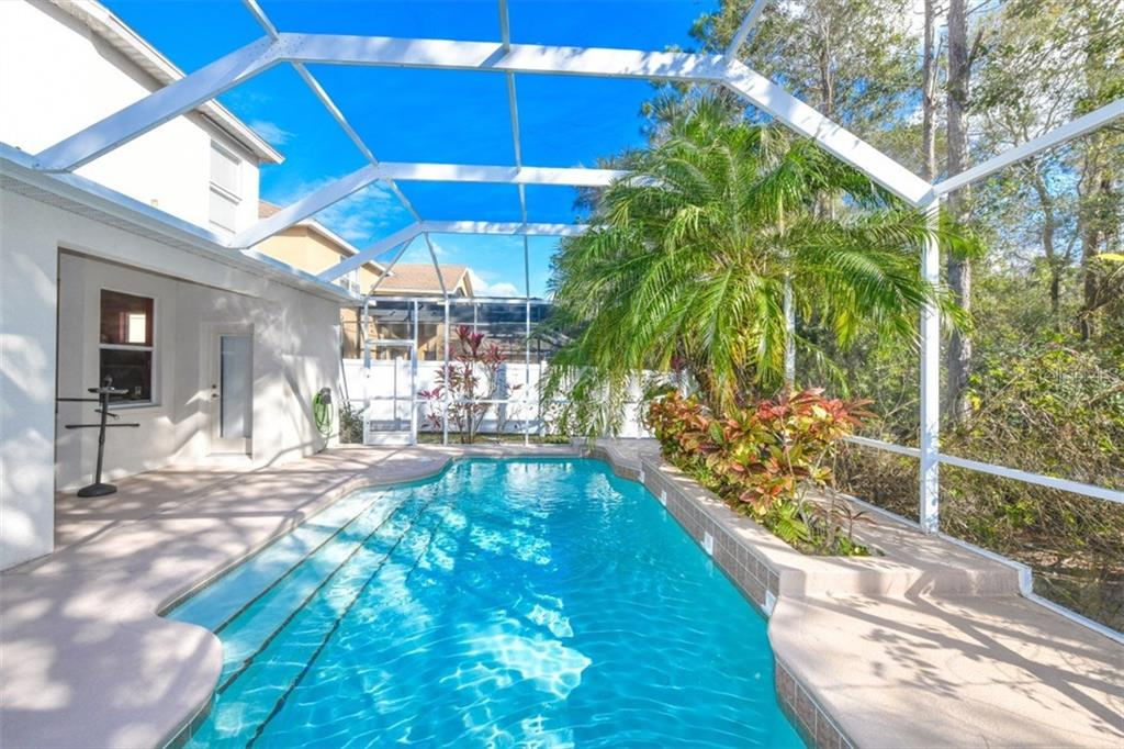 Single Family Home for sale at 4411 67th Avenue Cir E, Sarasota, FL 34243 - MLS Number is A4210496