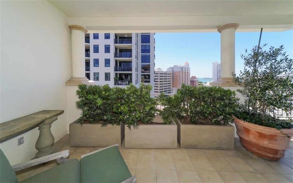 Condo for sale at 100 Central Ave #ph01, Sarasota, FL 34236 - MLS Number is A4400407