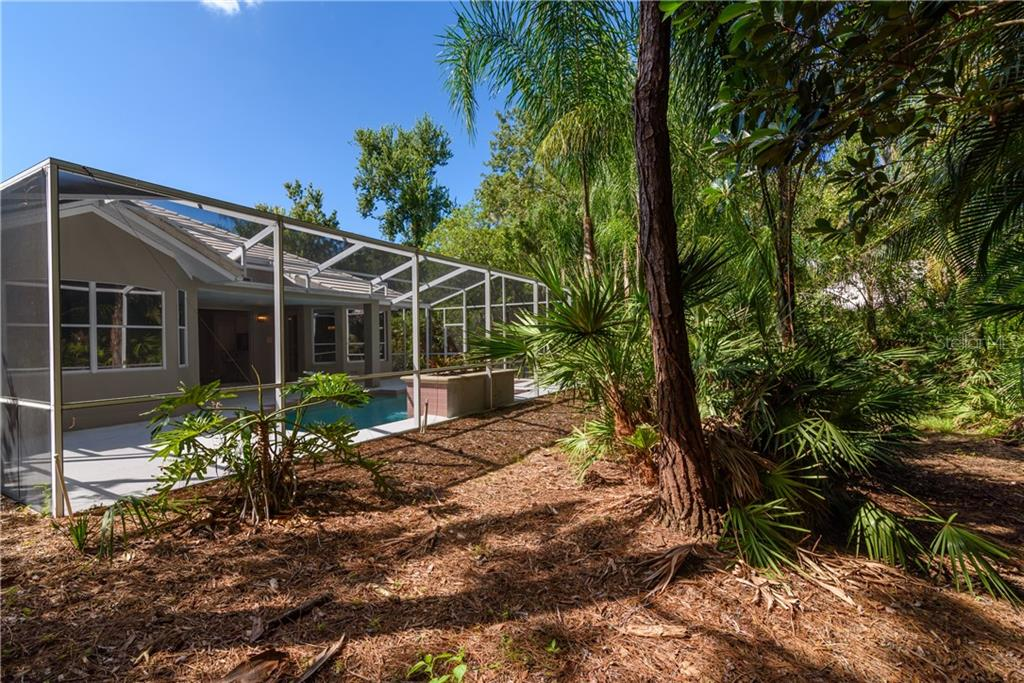 Single Family Home for sale at 6423 Berkshire Pl, University Park, FL 34201 - MLS Number is A4400996