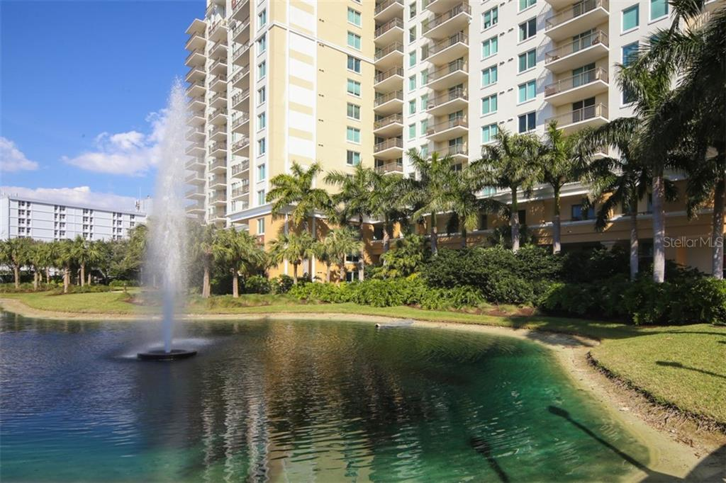 Condo for sale at 800 N Tamiami Trl #1015, Sarasota, FL 34236 - MLS Number is A4402588