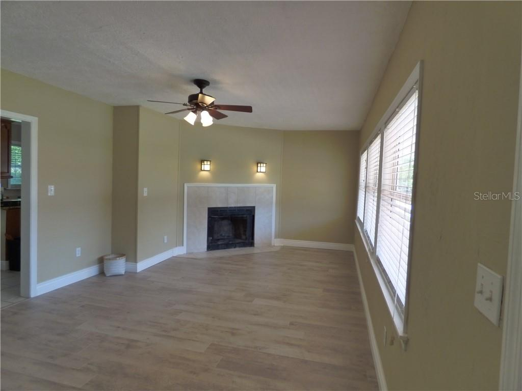 1 of 2 family rooms - Single Family Home for sale at 1802 26th St W, Bradenton, FL 34205 - MLS Number is A4402735