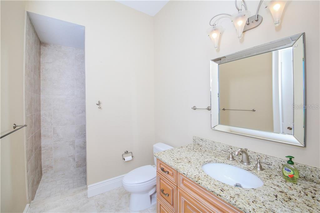 Bedroom #3 Bath - Single Family Home for sale at 432 Sorrento Dr, Osprey, FL 34229 - MLS Number is A4402898