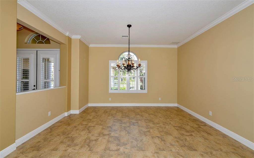 Living Area - Single Family Home for sale at 533 Mast Dr, Bradenton, FL 34208 - MLS Number is A4402963