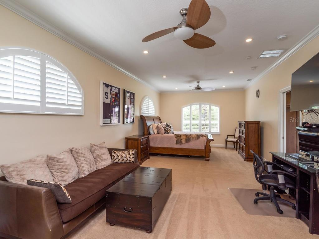 Single Family Home for sale at 6174 9th Avenue Cir Ne, Bradenton, FL 34212 - MLS Number is A4403686