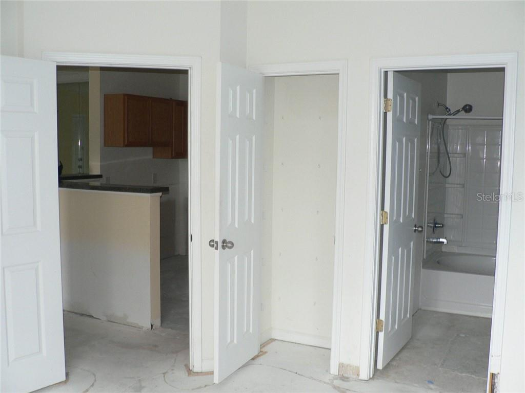 Master Bedroom - Condo for sale at 4802 51st St W #906, Bradenton, FL 34210 - MLS Number is A4403780