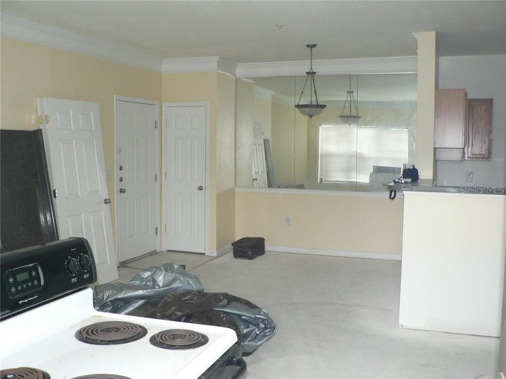 Living / Dining Room Combo - Condo for sale at 4802 51st St W #906, Bradenton, FL 34210 - MLS Number is A4403780