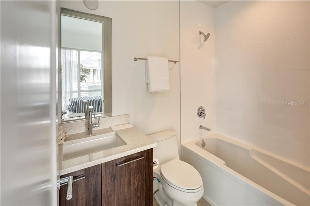 3rd Bedroom Bath - Townhouse for sale at 632 S Rawls Ave, Sarasota, FL 34236 - MLS Number is A4404361