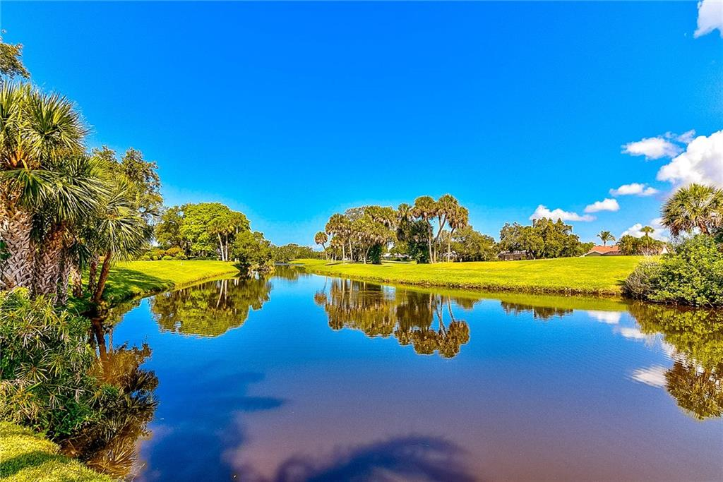 Backyard Lake Waters - Single Family Home for sale at 3911 Spyglass Hill Rd, Sarasota, FL 34238 - MLS Number is A4404657