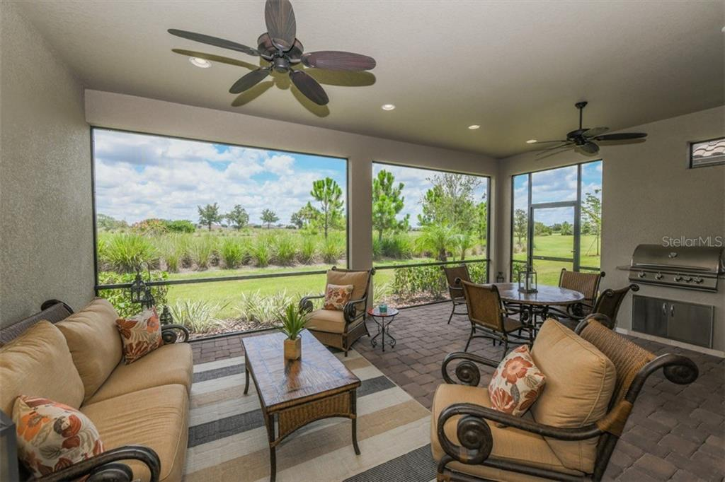 Single Family Home for sale at 5003 Napoli Run, Bradenton, FL 34211 - MLS Number is A4407812