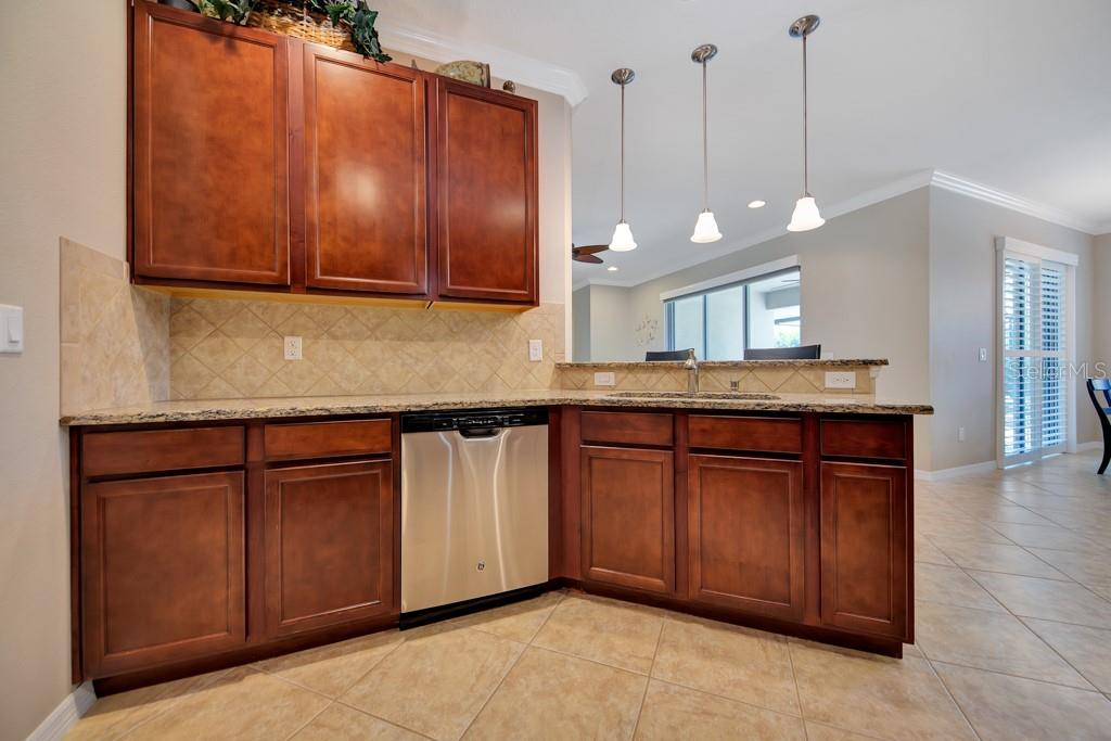 Single Family Home for sale at 14615 Sundial Pl, Lakewood Ranch, FL 34202 - MLS Number is A4407990