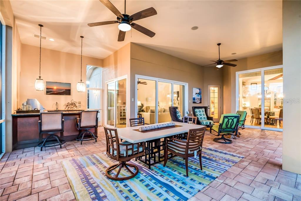 Single Family Home for sale at 16022 Topsail Ter, Lakewood Ranch, FL 34202 - MLS Number is A4410326