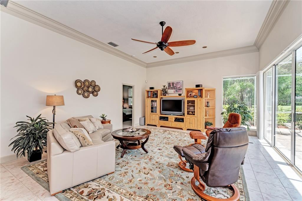 Single Family Home for sale at 5303 88th St E, Bradenton, FL 34211 - MLS Number is A4410685