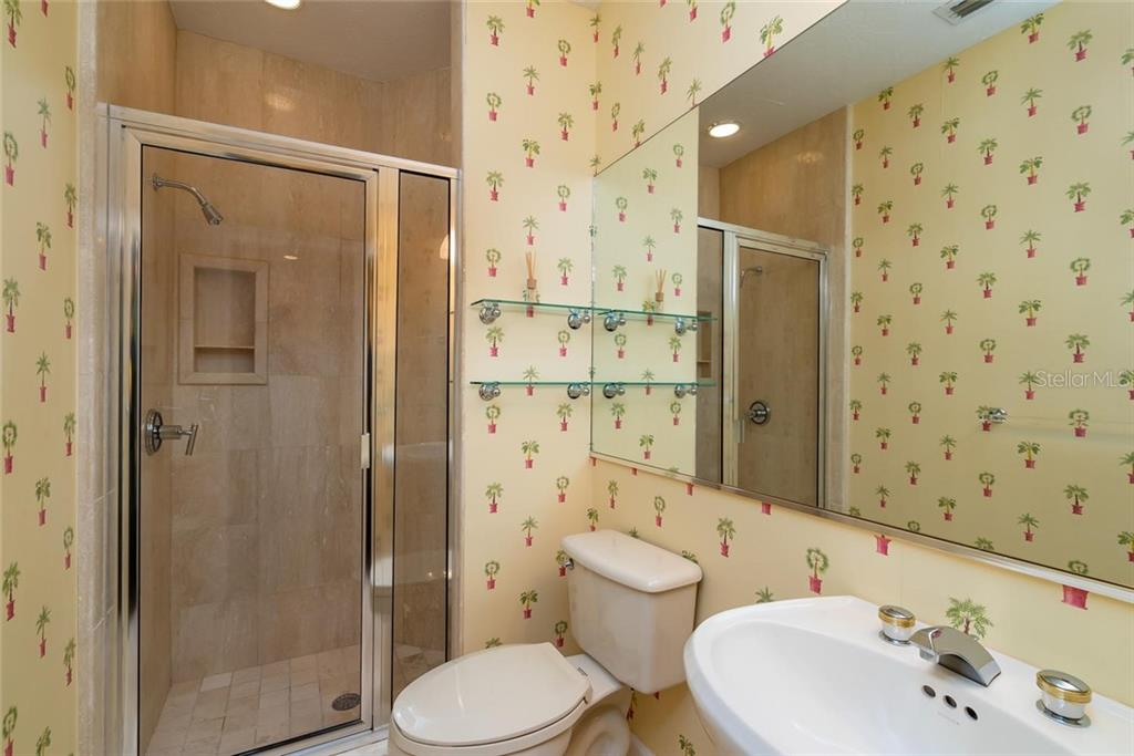 Guest bedroom en-suite! - Condo for sale at 340 Gulf Of Mexico Dr #116, Longboat Key, FL 34228 - MLS Number is A4411000